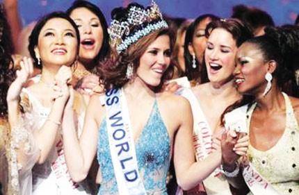 Những Hoa hậu làm rạng danh Việt Nam trên đấu trường quốc tế - ảnh 6