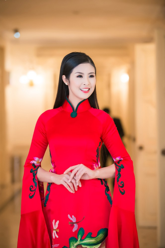 Hoa hậu Ngọc Hân hội ngộ Á hậu Huyền My tại Hà Nội - ảnh 3