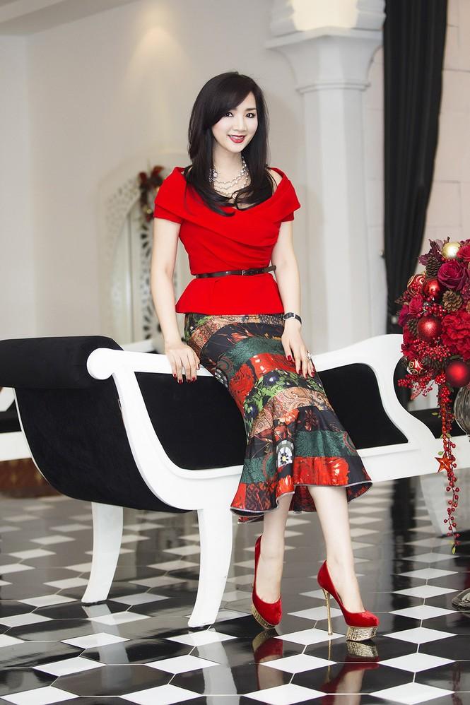Giáng My khoe vai trần quyến rũ với váy đỏ rực - ảnh 8