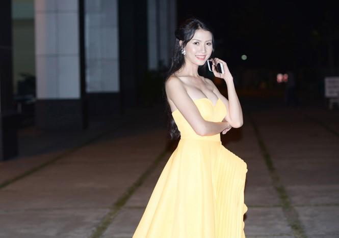 Phan Thị Mơ tái xuất gợi cảm sau 4 tháng 'mất tích' - ảnh 4