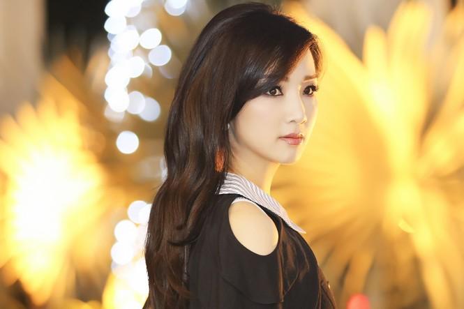 Hoa hậu Giáng My xinh đẹp, trẻ trung đi làm giám khảo - ảnh 8