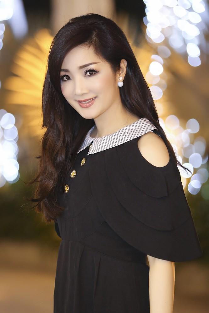 Hoa hậu Giáng My xinh đẹp, trẻ trung đi làm giám khảo - ảnh 5