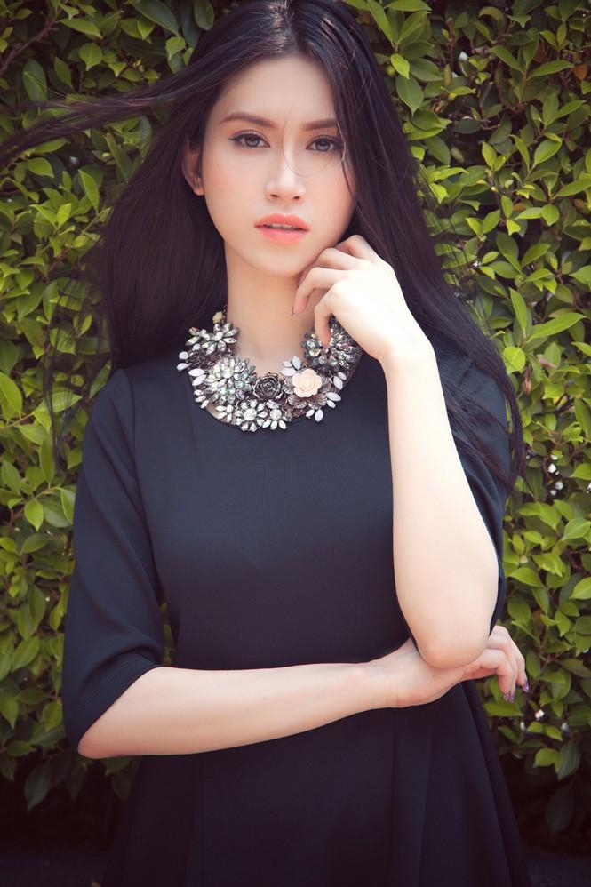 Hoa hậu Đông Nam Á Triều Thu khoe eo thon quyến rũ - ảnh 10