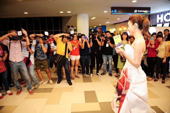 Ngân Khánh lộng lẫy ra mắt phim mới trước khi rời bỏ showbiz - ảnh 5