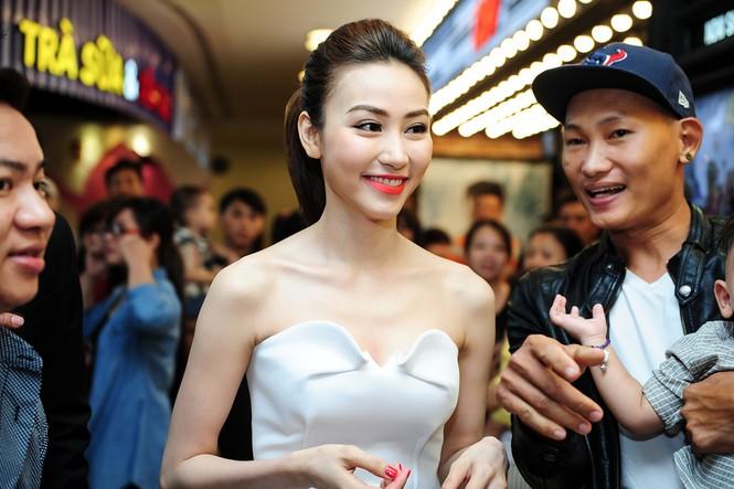 Ngân Khánh lộng lẫy ra mắt phim mới trước khi rời bỏ showbiz - ảnh 6