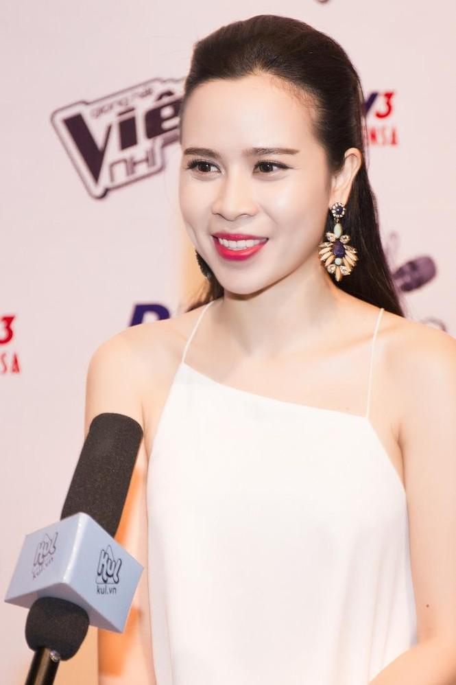 Lưu Hương Giang khoe lưng trần sexy bên Hồ Hoài Anh - ảnh 4