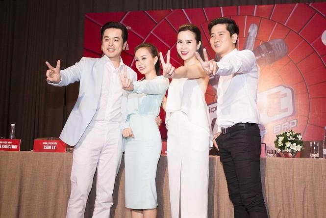 Lưu Hương Giang khoe lưng trần sexy bên Hồ Hoài Anh - ảnh 12