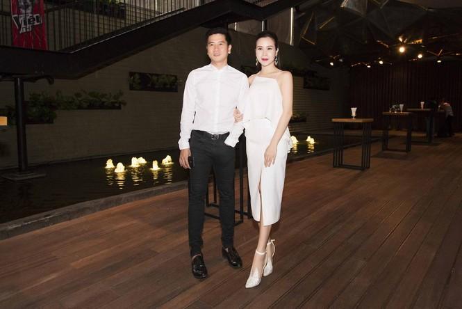 Lưu Hương Giang khoe lưng trần sexy bên Hồ Hoài Anh - ảnh 3