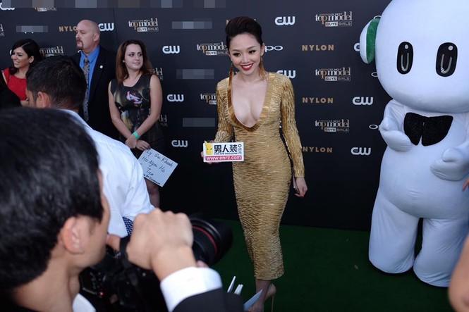 Tóc Tiên, Hà Hồ 'tự sướng' cùng Tyra Banks ở Mỹ - ảnh 6