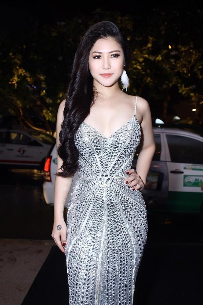 Hương Tràm quyến rũ 'lấn át' Trương Quỳnh Anh - ảnh 7