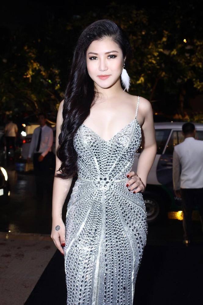 Hương Tràm quyến rũ 'lấn át' Trương Quỳnh Anh - ảnh 5