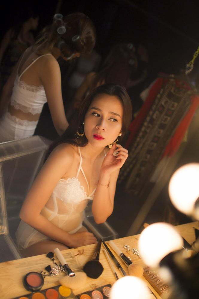 Lưu Hương Giang xin phép chồng trước khi hở bạo - ảnh 9