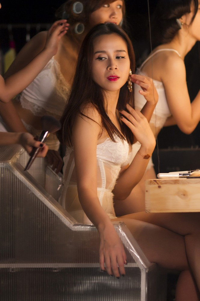 Lưu Hương Giang xin phép chồng trước khi hở bạo - ảnh 7