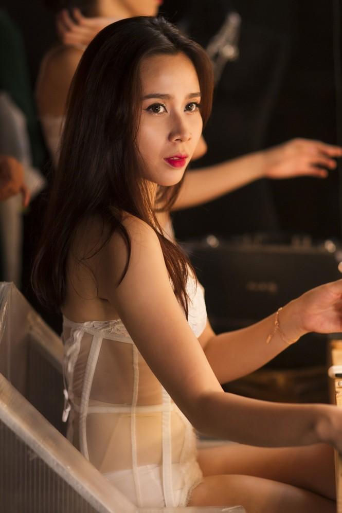 Lưu Hương Giang xin phép chồng trước khi hở bạo - ảnh 8