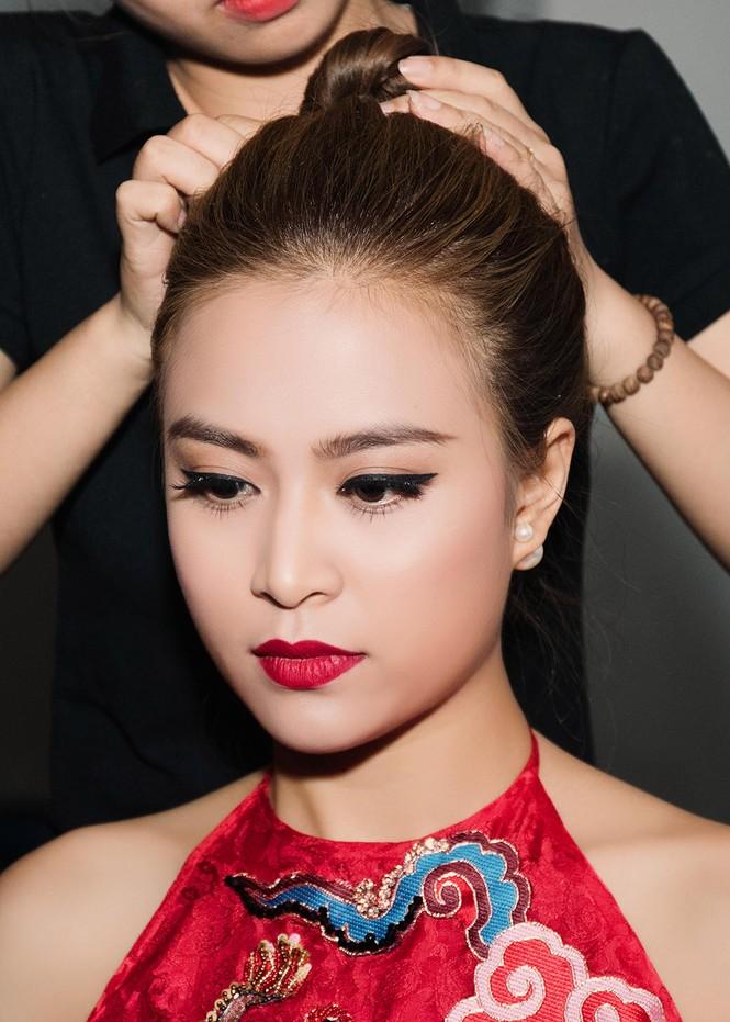Hoàng Thùy Linh chăm sóc bạn trai siêu mẫu hết mực - ảnh 4