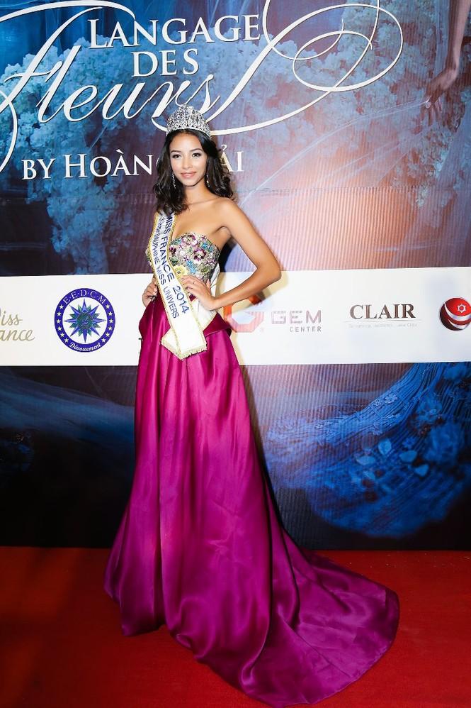 Dàn Hoa hậu, Á hậu lộng lẫy trên thảm đỏ thời trang - ảnh 4