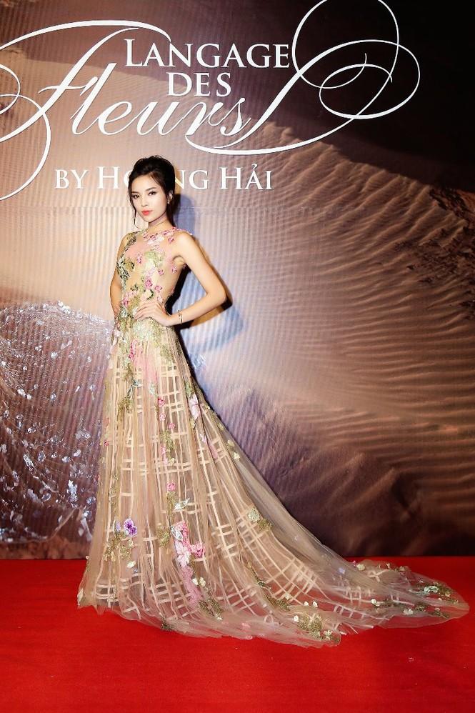 Dàn Hoa hậu, Á hậu lộng lẫy trên thảm đỏ thời trang - ảnh 3
