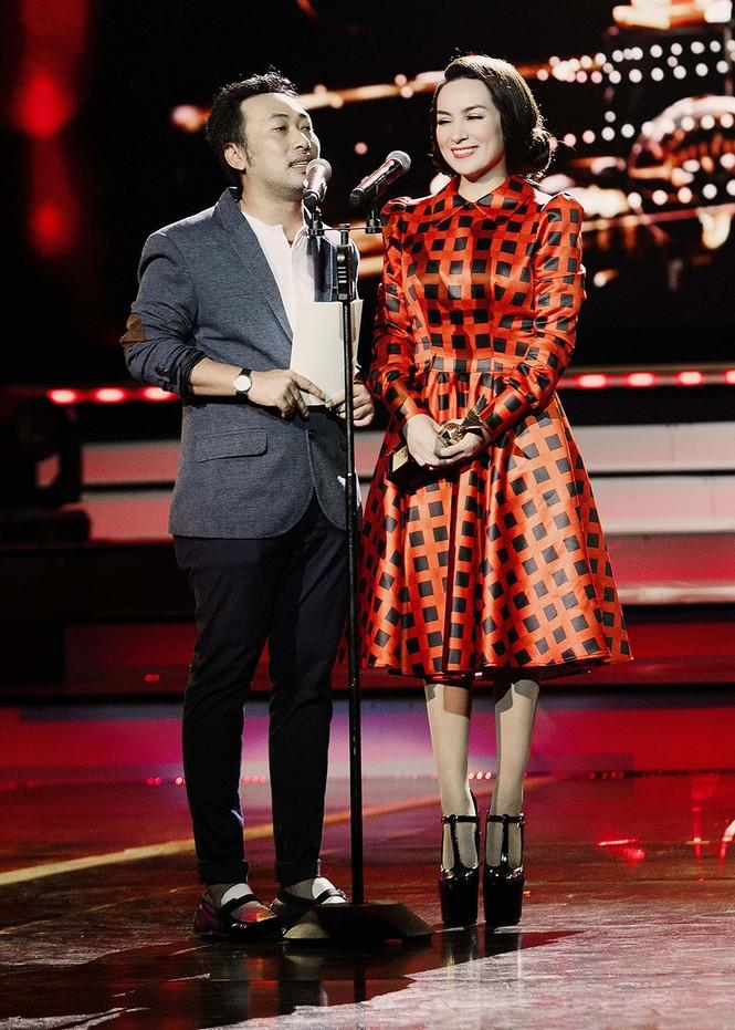 Phi Nhung xúc động khi Hồ Văn Cường đoạt giải VTV - ảnh 4