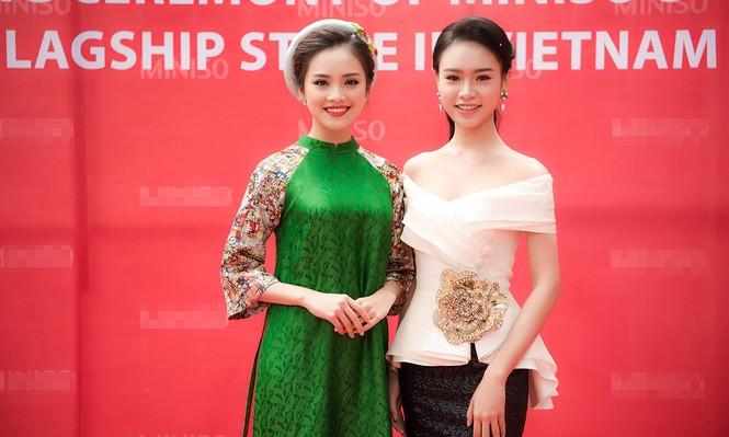 Phùng Bảo Ngọc Vân, Trần Tố Như xinh đẹp hội ngộ ở Hà Nội - ảnh 1