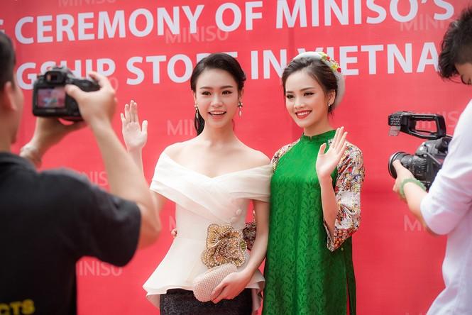 Phùng Bảo Ngọc Vân, Trần Tố Như xinh đẹp hội ngộ ở Hà Nội - ảnh 2