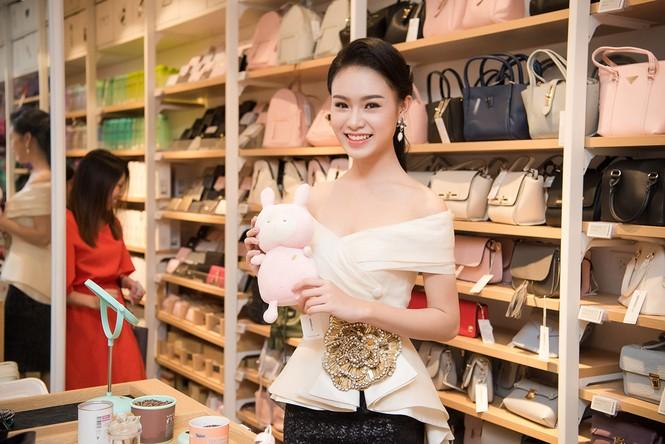 Phùng Bảo Ngọc Vân, Trần Tố Như xinh đẹp hội ngộ ở Hà Nội - ảnh 4