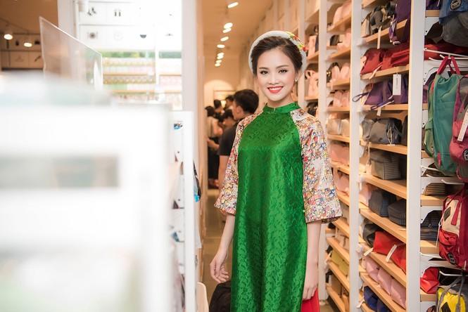 Phùng Bảo Ngọc Vân, Trần Tố Như xinh đẹp hội ngộ ở Hà Nội - ảnh 5