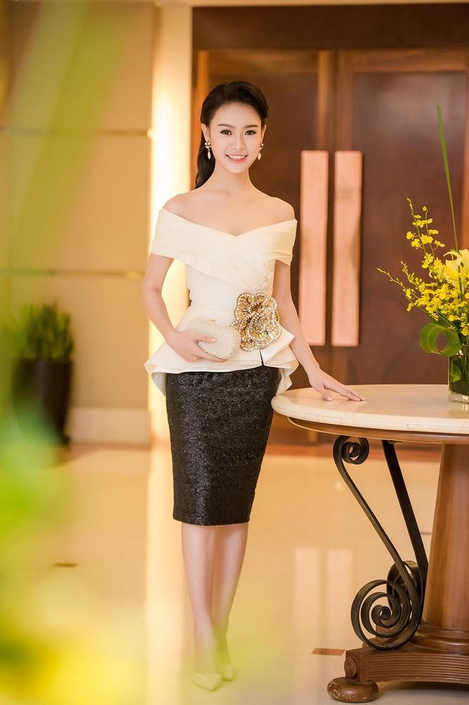 Phùng Bảo Ngọc Vân, Trần Tố Như xinh đẹp hội ngộ ở Hà Nội - ảnh 6