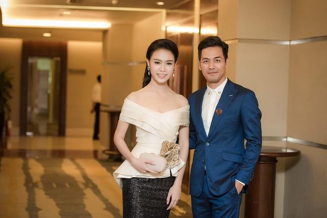 Phùng Bảo Ngọc Vân, Trần Tố Như xinh đẹp hội ngộ ở Hà Nội - ảnh 11