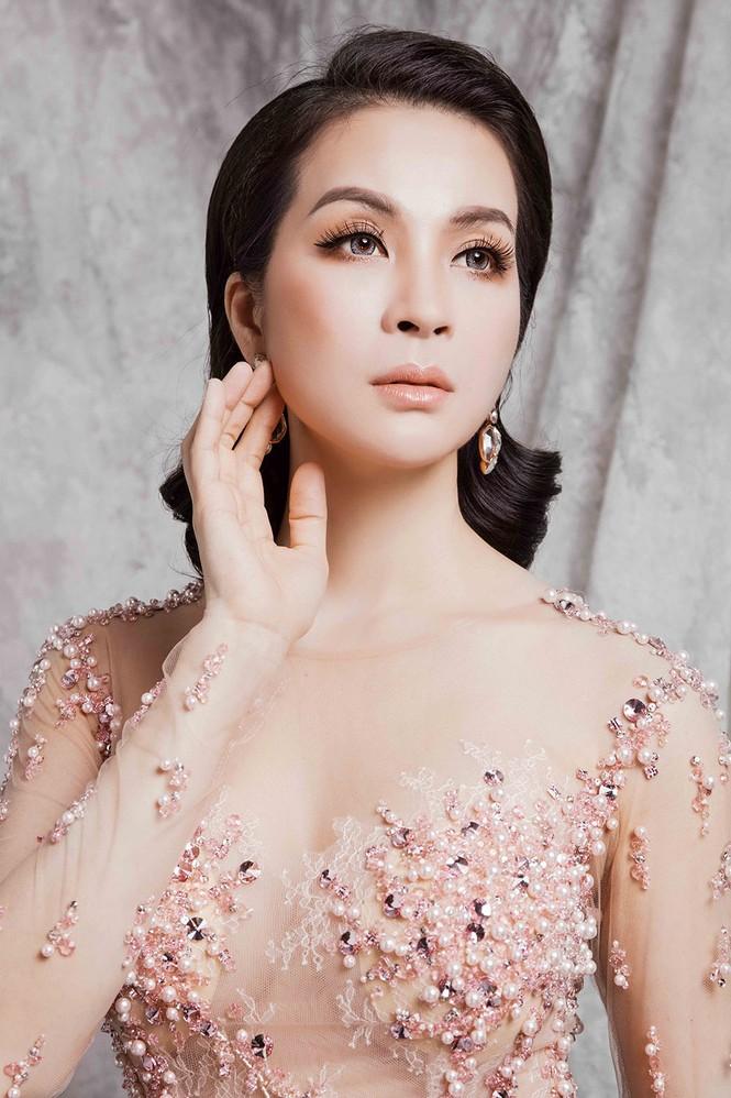 Ngỡ ngàng với đường cong như thiếu nữ của người đẹp U50 Thanh Mai - ảnh 1