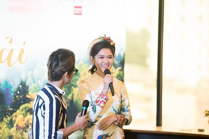 Á hậu Thùy Dung khoe tài ca hát xứng danh 'Người đẹp Tài năng' - ảnh 7