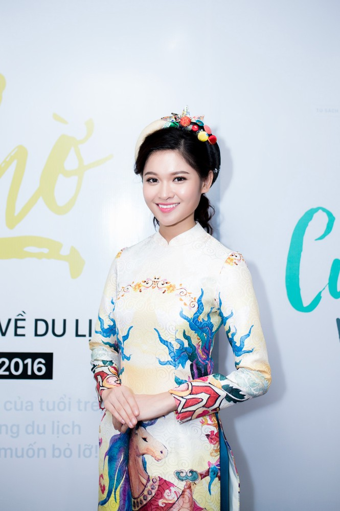 Á hậu Thùy Dung khoe tài ca hát xứng danh 'Người đẹp Tài năng' - ảnh 1