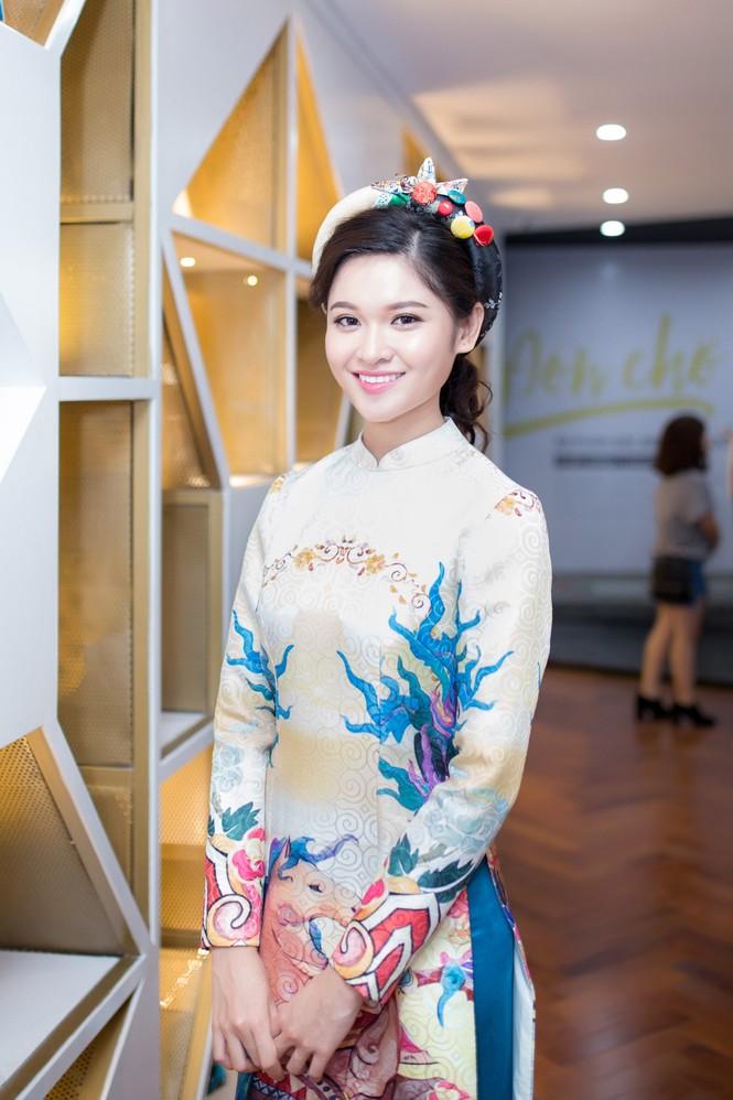 Á hậu Thùy Dung khoe tài ca hát xứng danh 'Người đẹp Tài năng' - ảnh 2