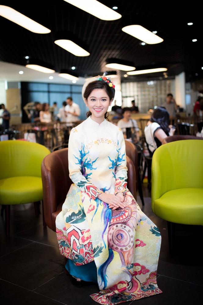 Á hậu Thùy Dung khoe tài ca hát xứng danh 'Người đẹp Tài năng' - ảnh 3