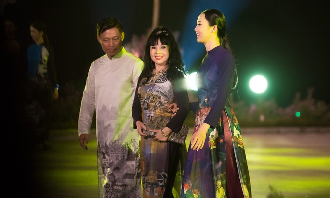 Dàn nghệ sĩ gạo cội của điện ảnh Việt trình diễn áo dài - ảnh 3