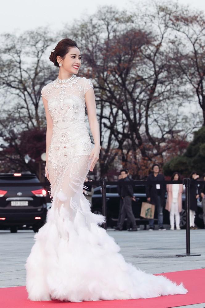 Chi Pu quyến rũ trên thảm đỏ Hàn Quốc, bất ngờ thắng giải 'Ngôi sao mới' - ảnh 3