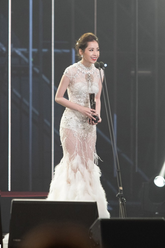 Chi Pu quyến rũ trên thảm đỏ Hàn Quốc, bất ngờ thắng giải 'Ngôi sao mới' - ảnh 9