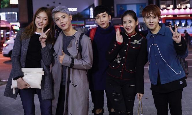 Chi Pu mặc sành điệu đến Hàn Quốc dự sự kiện - ảnh 7