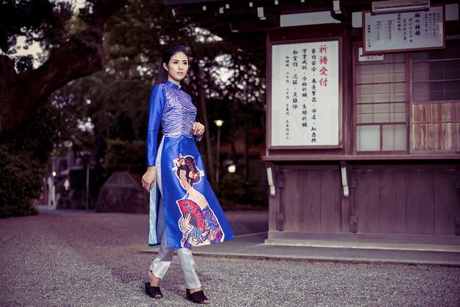 Hoa hậu Ngọc Hân diện áo dài tự thiết kế dạo chơi Nhật Bản - ảnh 7