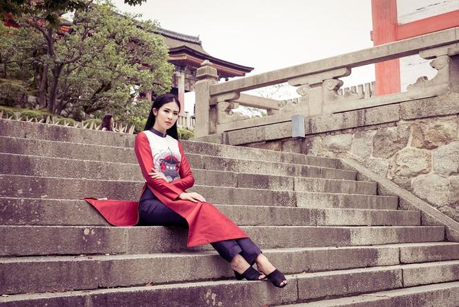 Hoa hậu Ngọc Hân diện áo dài tự thiết kế dạo chơi Nhật Bản - ảnh 8