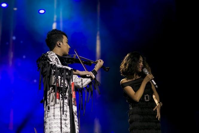 Linh Nga, Thu Phương phiêu cùng tiếng violin của Hoàng Rob - ảnh 8