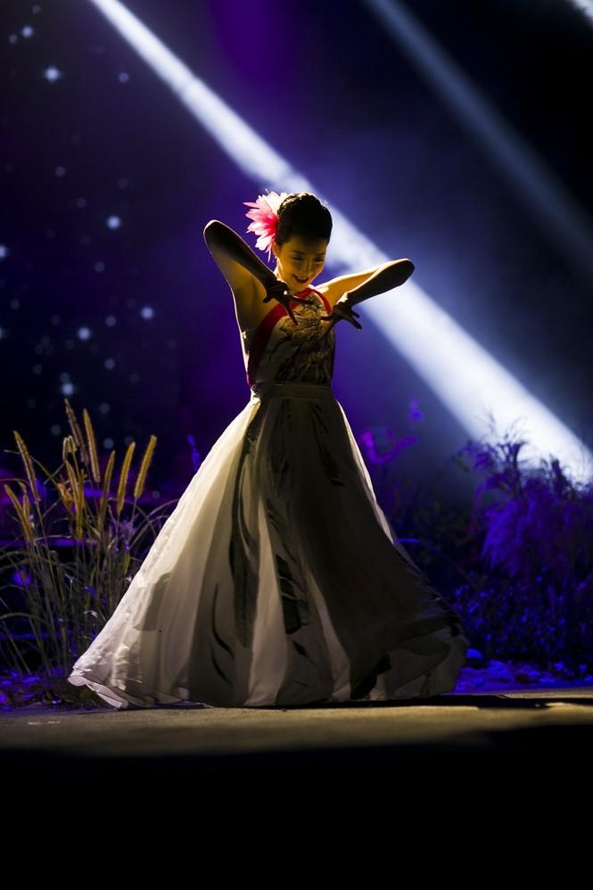 Linh Nga, Thu Phương phiêu cùng tiếng violin của Hoàng Rob - ảnh 5