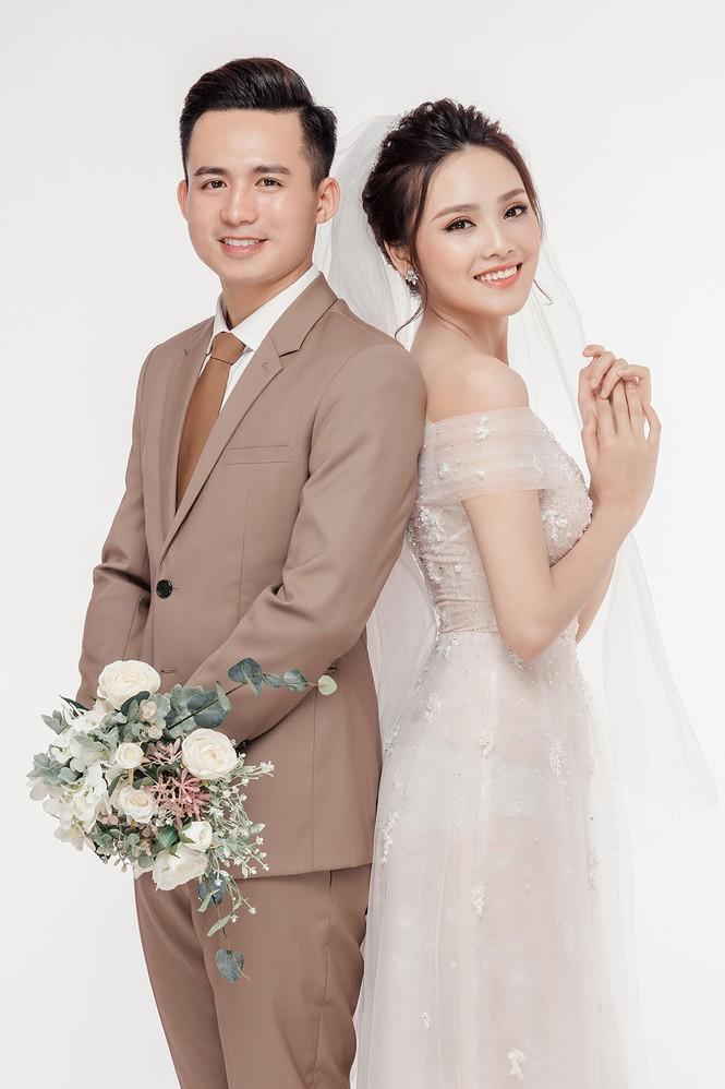 Ảnh cưới lung linh của Top 10 HHVN Tố Như và 'hot boy cảnh sát' - ảnh 8