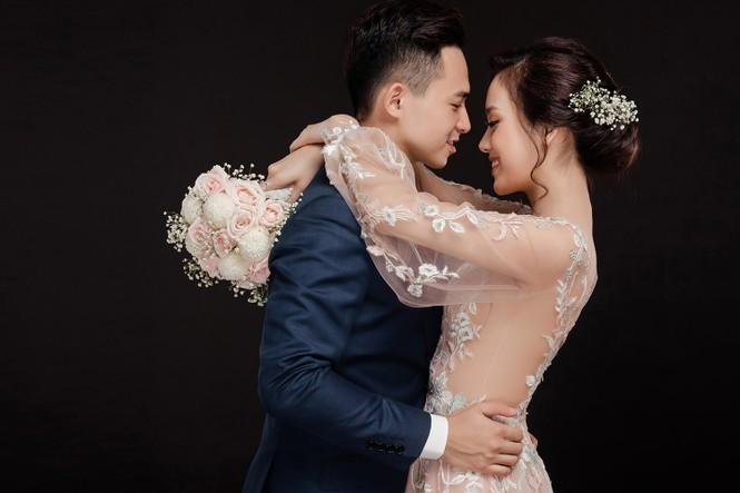 Ảnh cưới lung linh của Top 10 HHVN Tố Như và 'hot boy cảnh sát' - ảnh 11