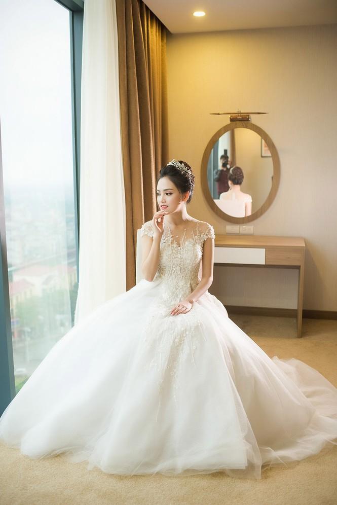 Top 10 HHVN Tố Như diện váy cưới đính kim cương trong hôn lễ - ảnh 2