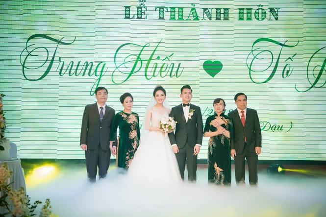 Top 10 HHVN Tố Như diện váy cưới đính kim cương trong hôn lễ - ảnh 10
