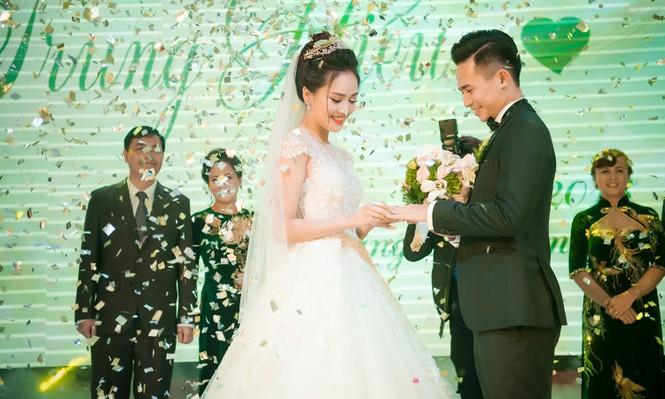 Top 10 HHVN Tố Như diện váy cưới đính kim cương trong hôn lễ - ảnh 11
