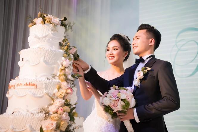 Top 10 HHVN Tố Như diện váy cưới đính kim cương trong hôn lễ - ảnh 13