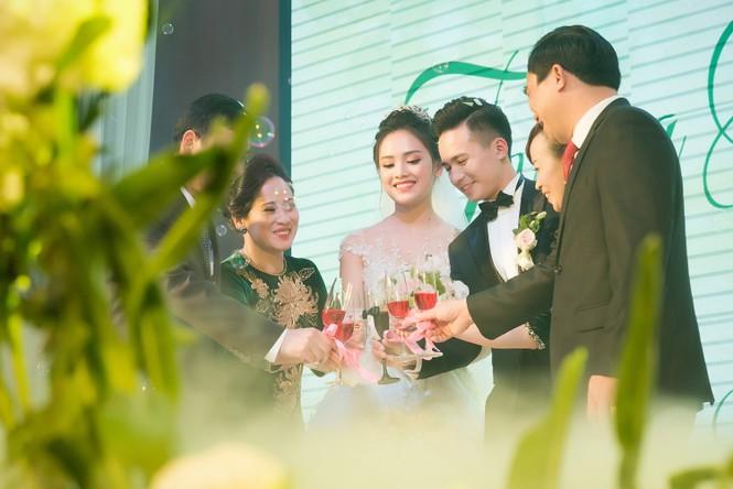 Top 10 HHVN Tố Như diện váy cưới đính kim cương trong hôn lễ - ảnh 14