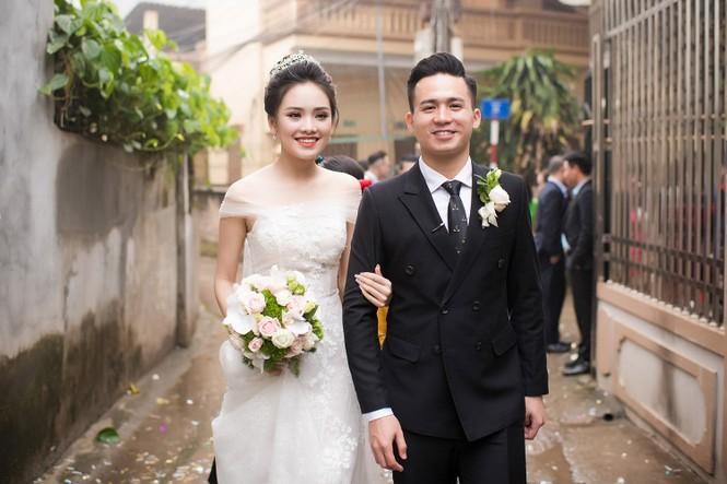 Top 10 HHVN Tố Như diện váy cưới đính kim cương trong hôn lễ - ảnh 5