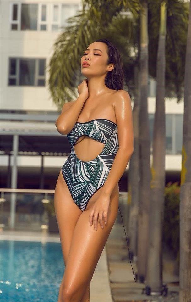 Body bỏng mắt của tình cũ Kim Lý với bikini cùng 'số đo vàng' 90-60-90 - ảnh 4